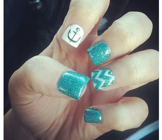 Zig Zag Nails with Designs