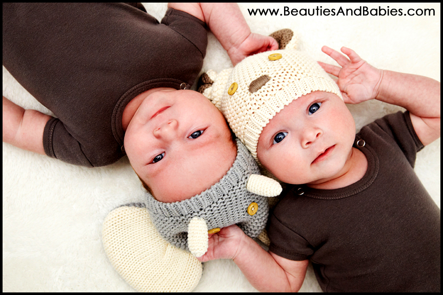 10 Outdoor Newborn Twins Photography Images