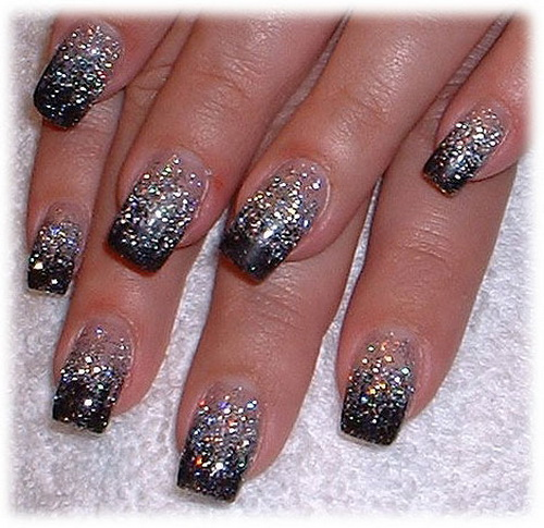 Black Glitter Nail Art