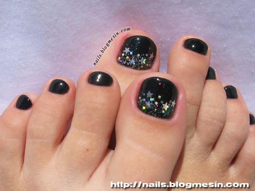 Black Toenail Polish Designs