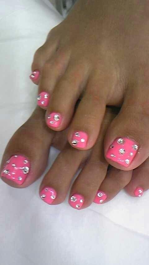 Cute Summer Toe Nails Pink