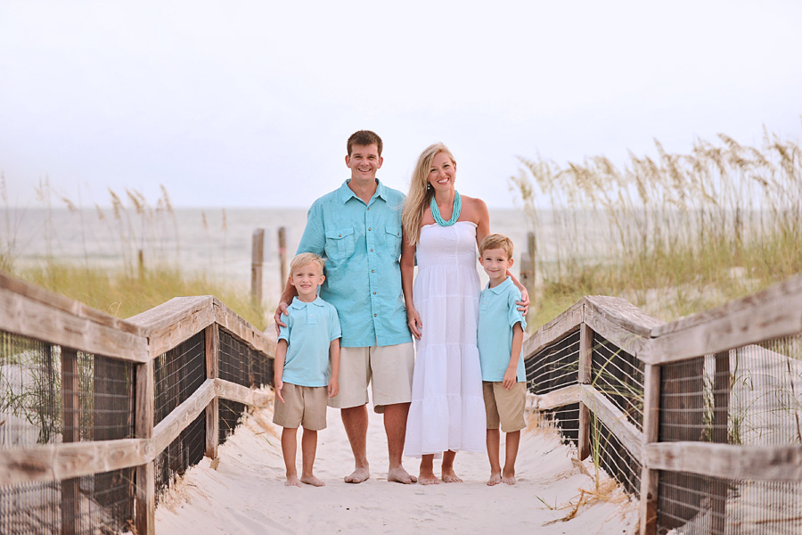 16 Beach Family Photography Poses Images