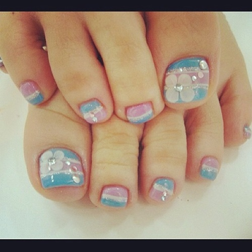 Pink and Blue Toe Nail Designs