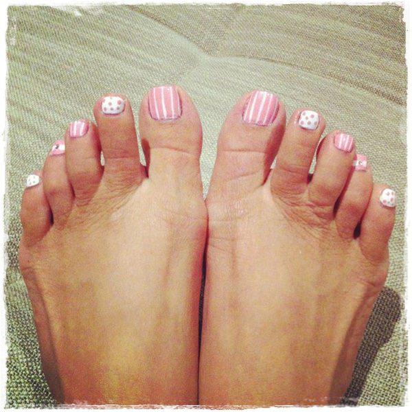 Pretty Toe Nail Designs