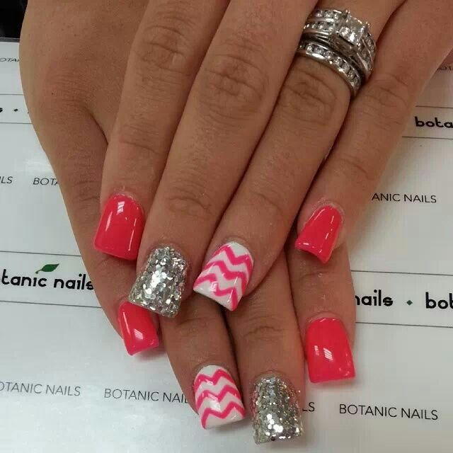 Chevron and Glitter Nail Designs