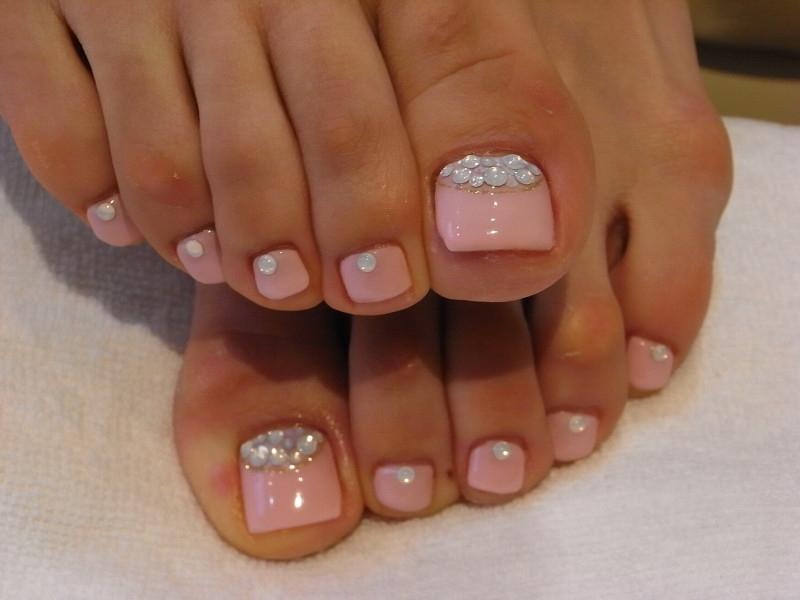 Pink Glitter Toe Nail Designs