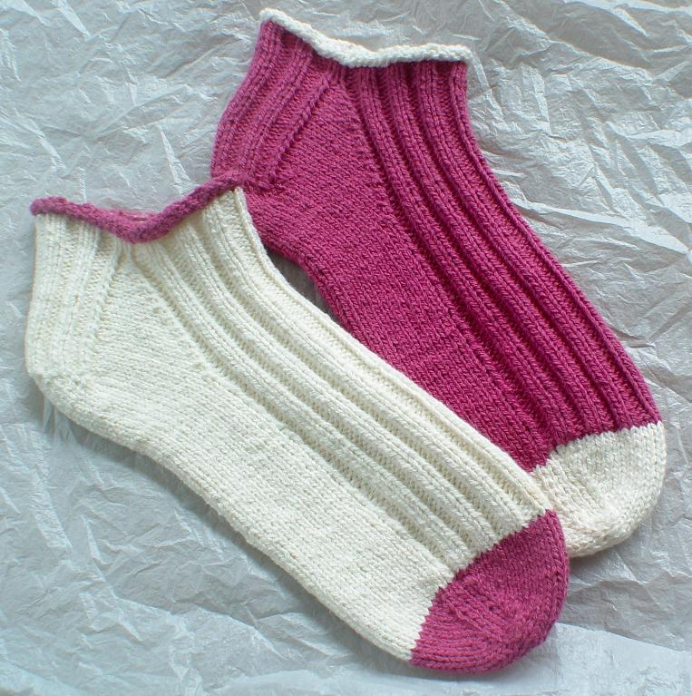 Knitting Pattern For Ski Socks : 11 Sport Sock Template Images - Sport Sock Knitting Pattern, Sock Outline Tem...