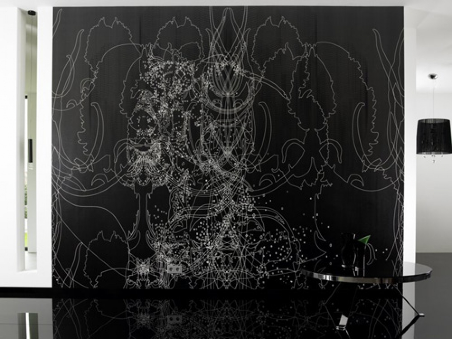 Black and White Design Desktop