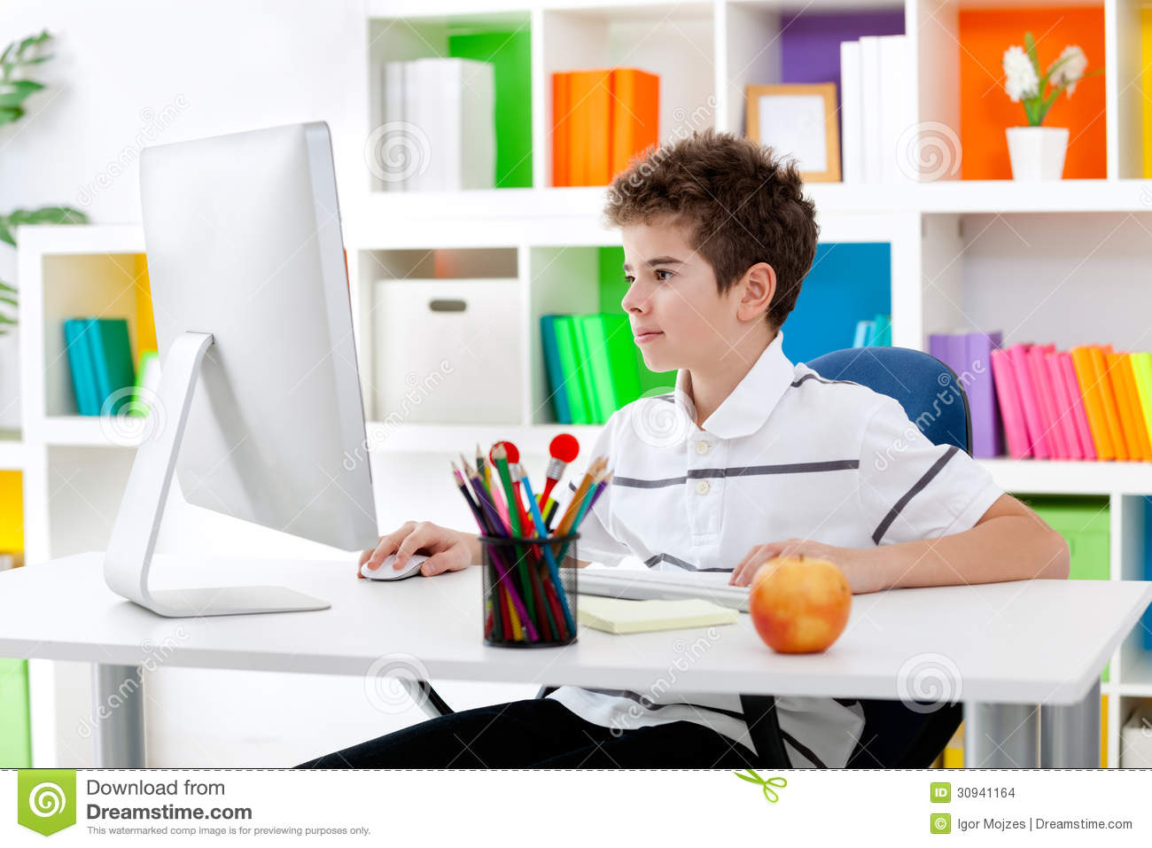 9 Boy Using Computer Stock Photo Images