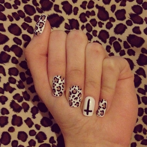 Cheetah Print Nail Design