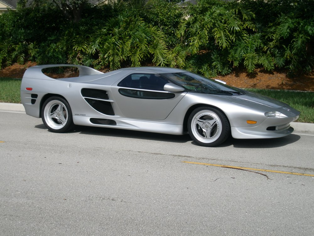 14 1999 Vector Aeromotive M12 Images