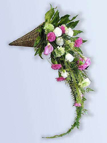 16 Cascade Floral Design Images