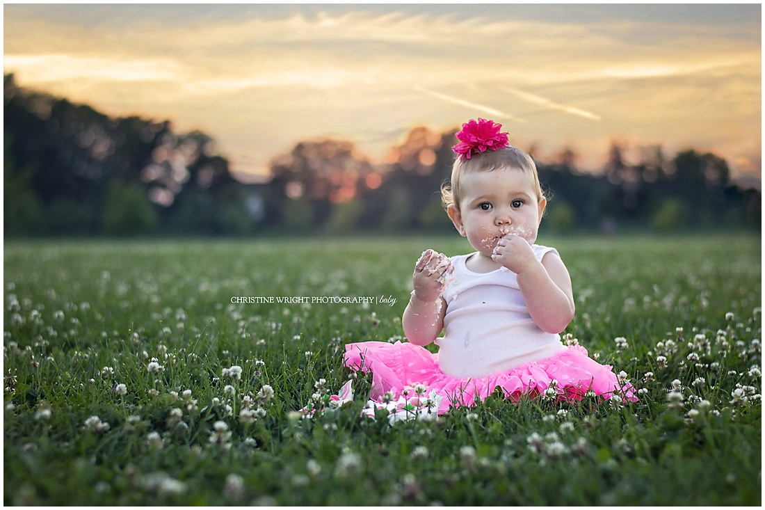Baby girl photography ideas outside