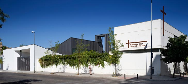 La Ascension Del Senor by AGI Architects Church