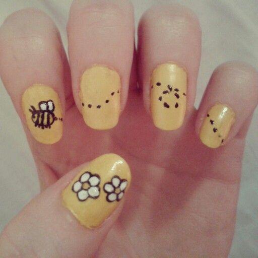 Bee Nail Art