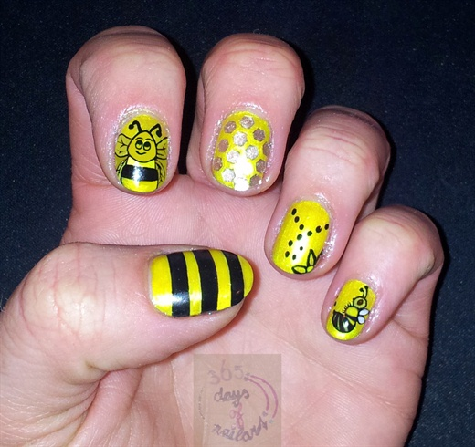 Black and Yellow Bee Nail Designs