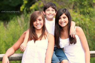 Outdoor Teen Sibling Photography Poses