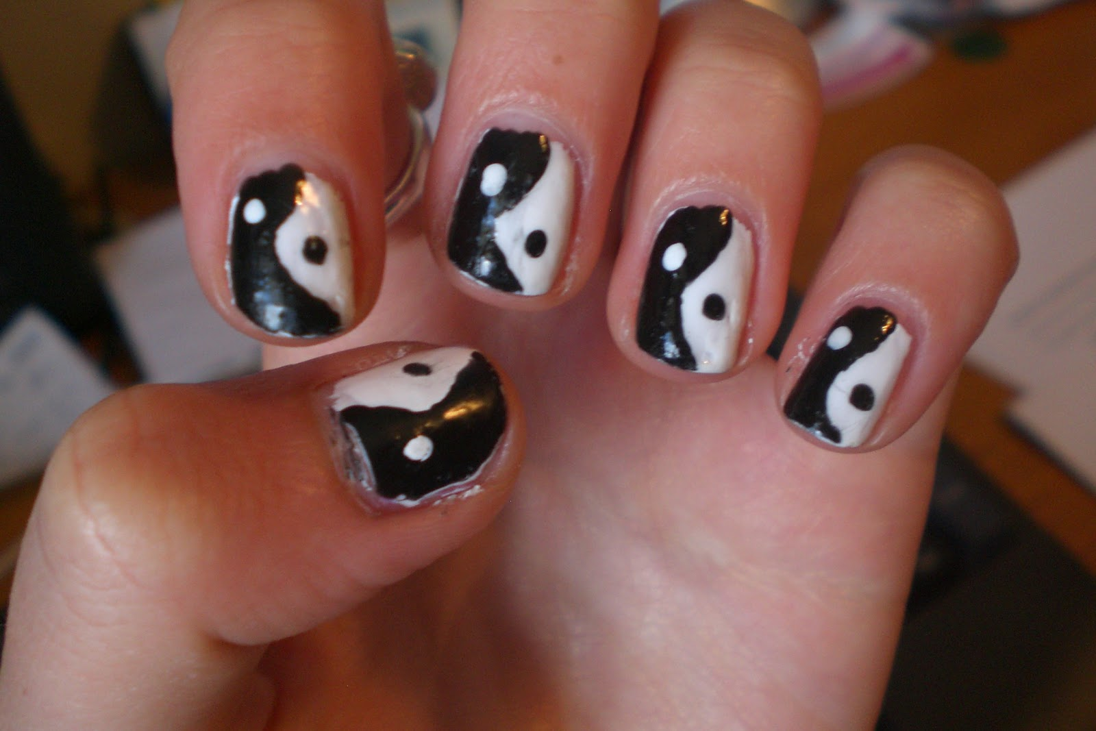Ying and Yang Nail Art