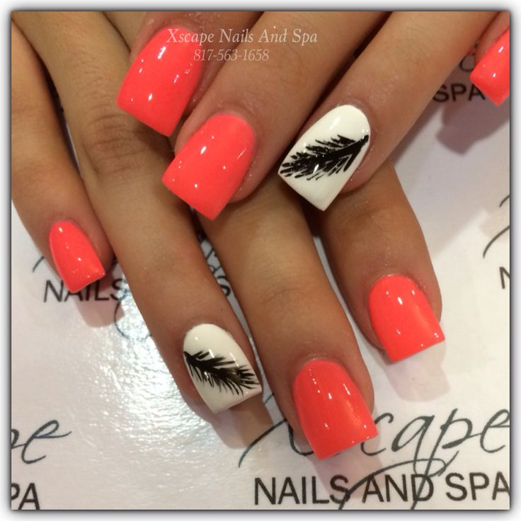 12 White Nails With Feather Design Images - Black and White Nail Art ...