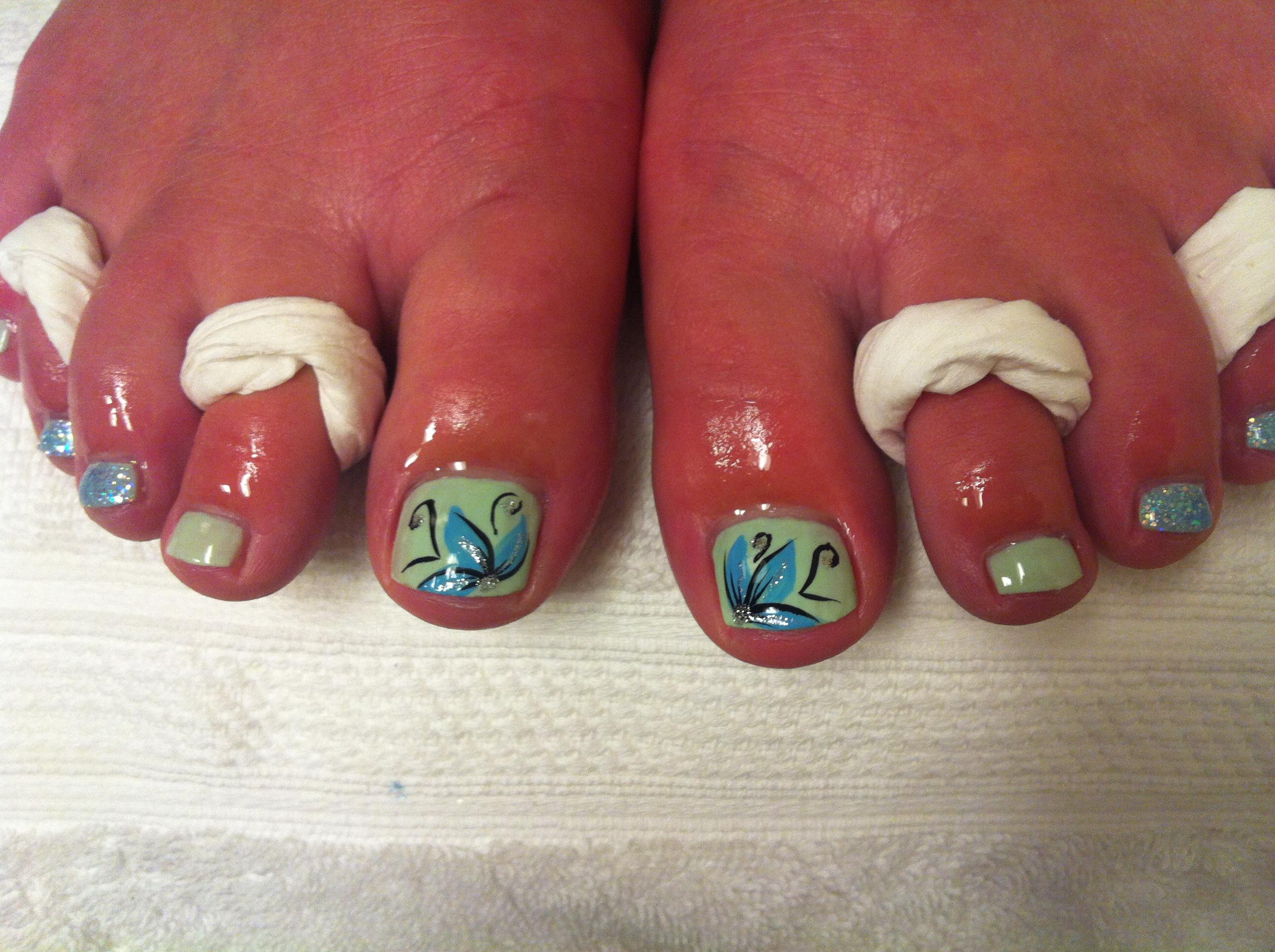 Blue Flower Toe Nail Art Designs