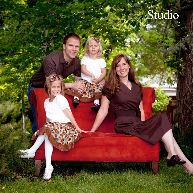 Outdoor Family Portrait Prop Ideas
