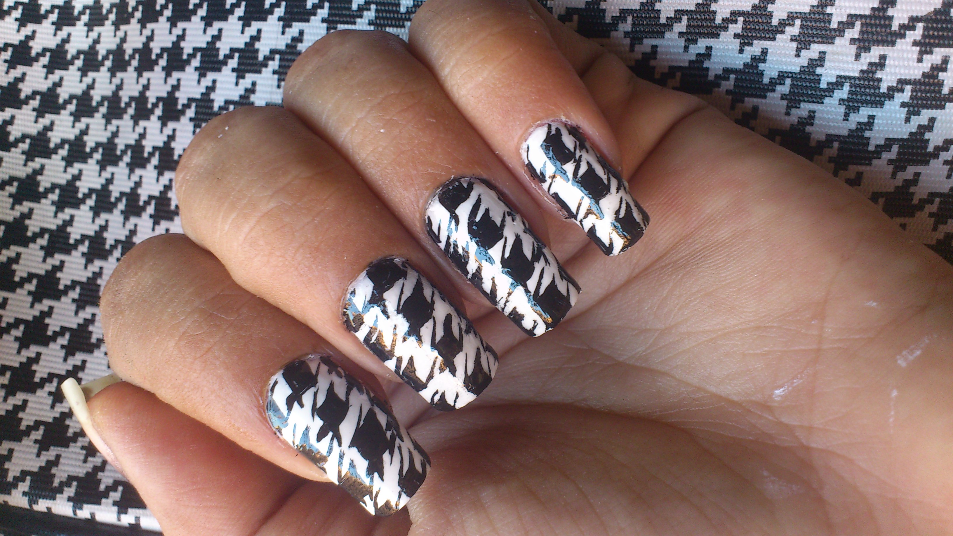19 Black And White Patterns Art Designs Step By Step Images Nail Polish Designs Step By Step