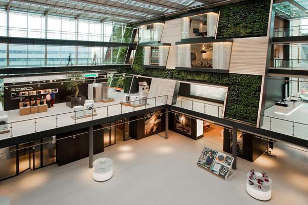 Office Design Green Wall Atrium
