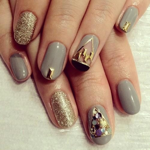 Grey and Gold Nail Design
