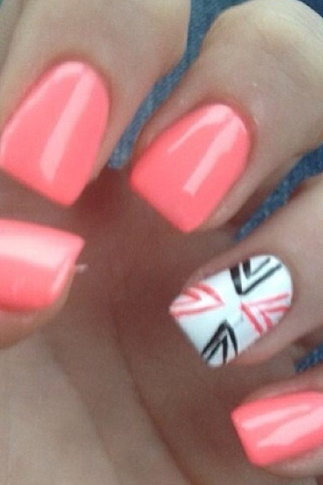 Coral Nails with Design