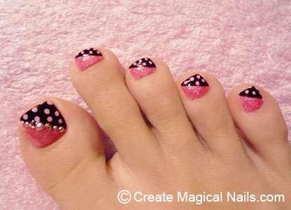 Toe Nail Design with Polka Dots