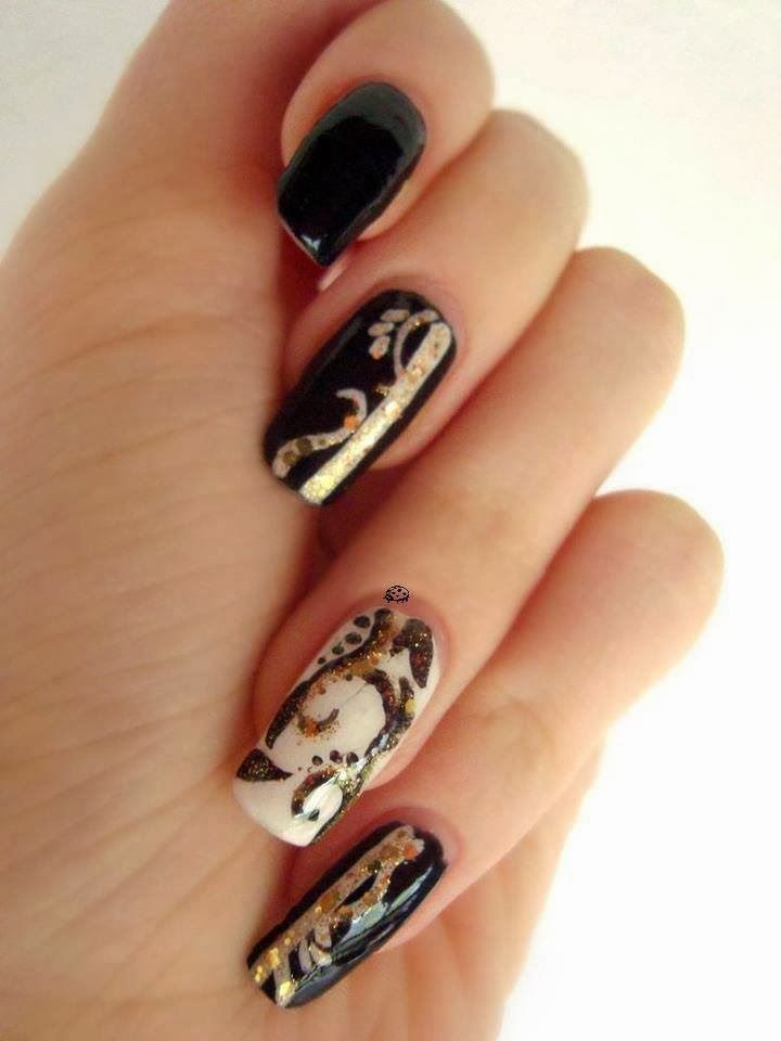 Black White and Gold Nail Art
