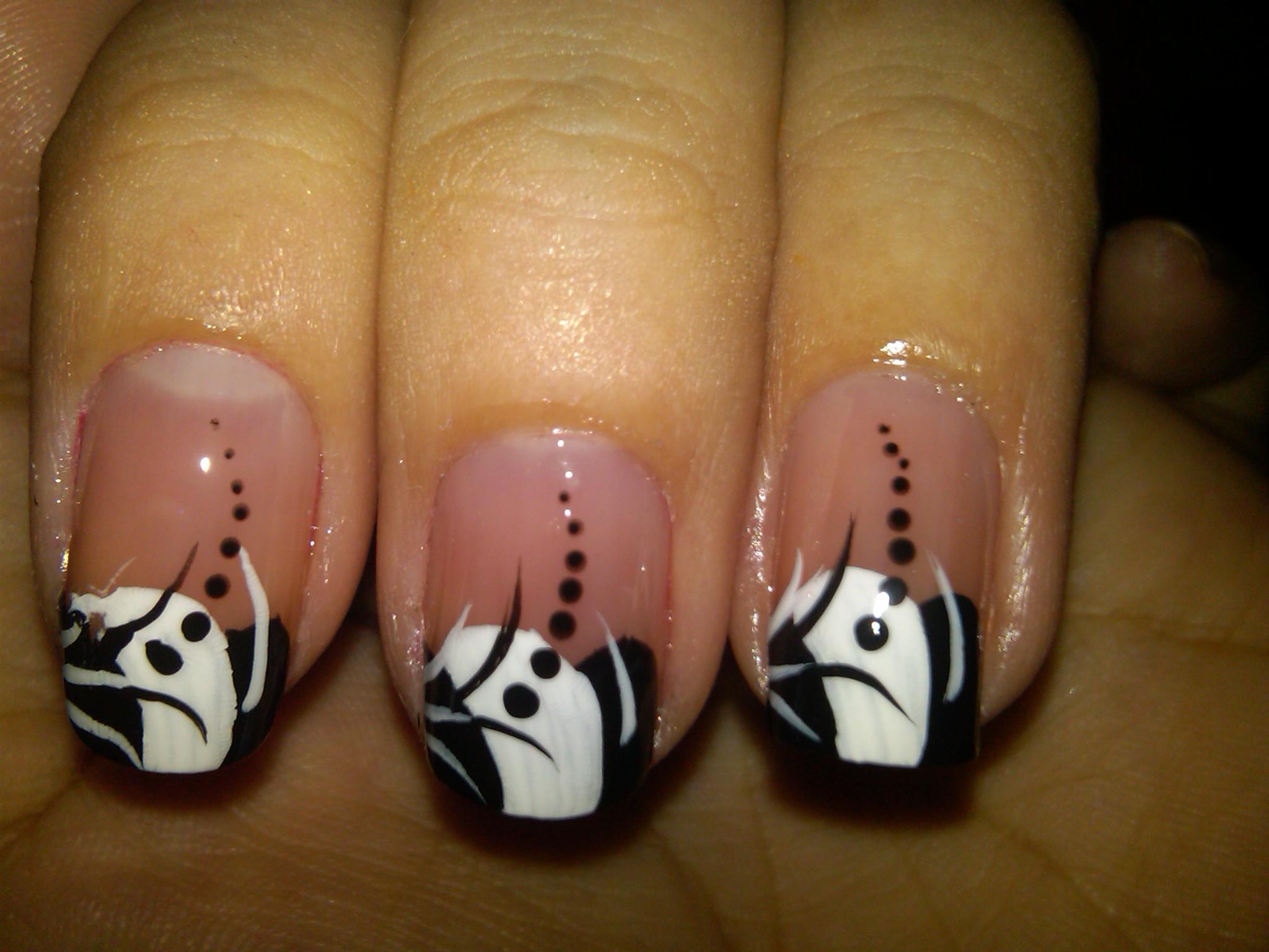 Cute Black and White Nail Design