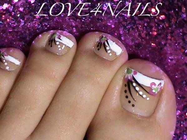 16 French Toe Nail Art Design Images