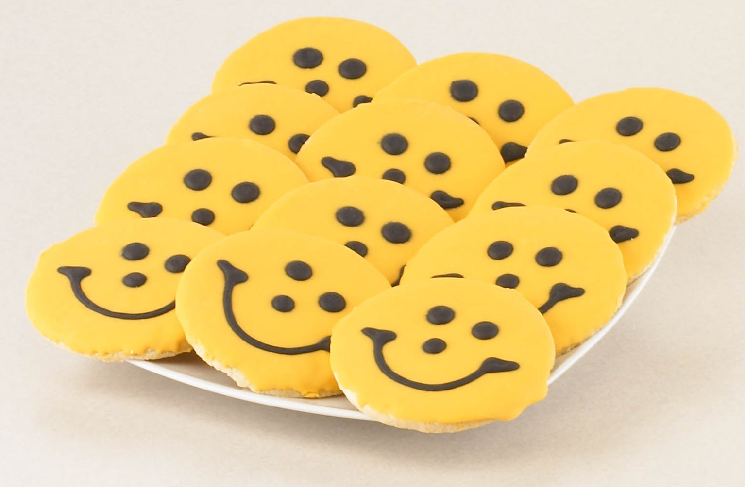 Smiley Eating Cookie