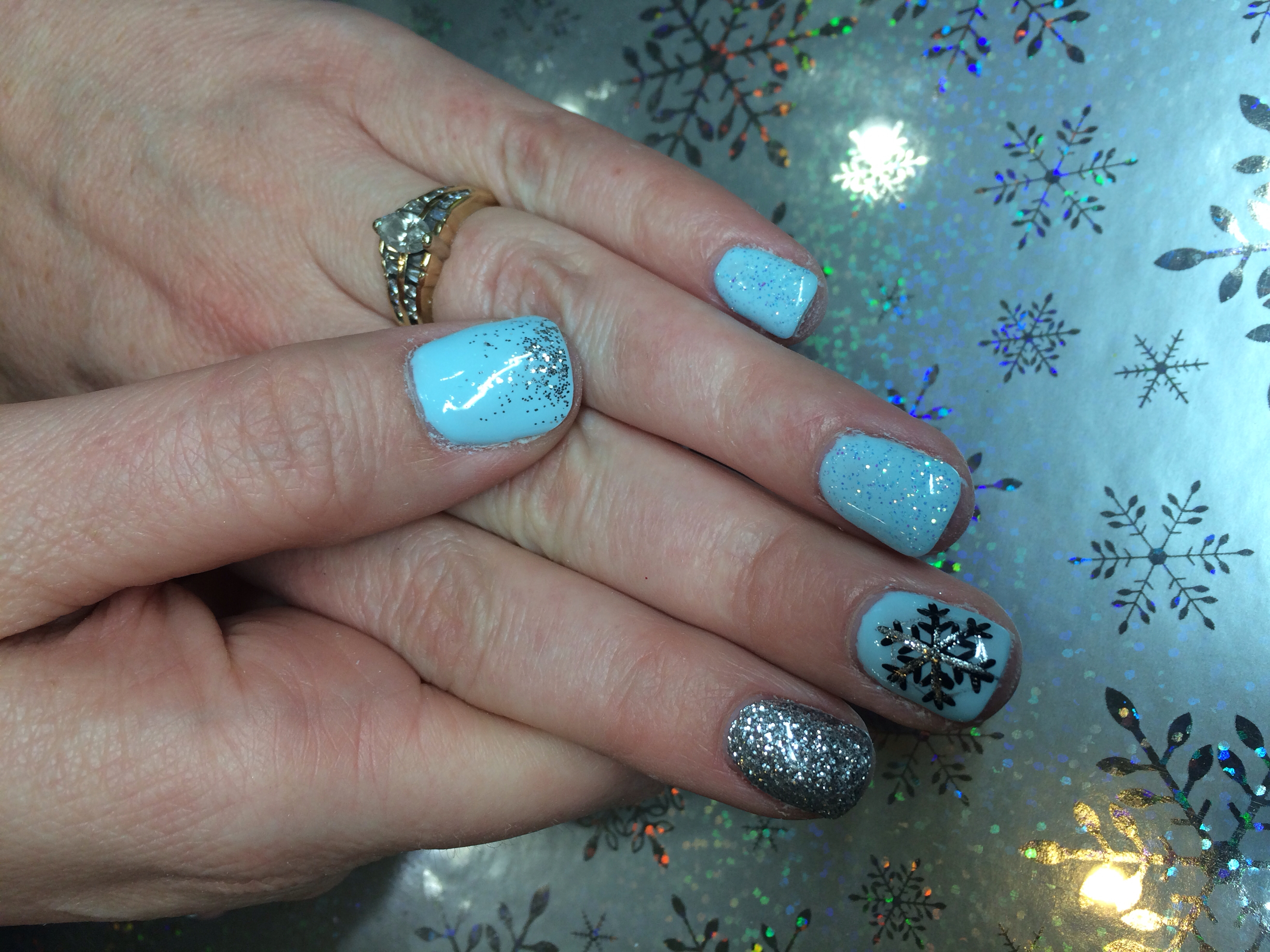 Winter Gel Nail Snowflake Designs
