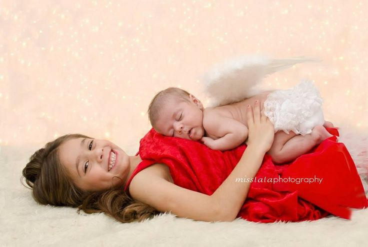 Newborn and Sibling Photography Christmas