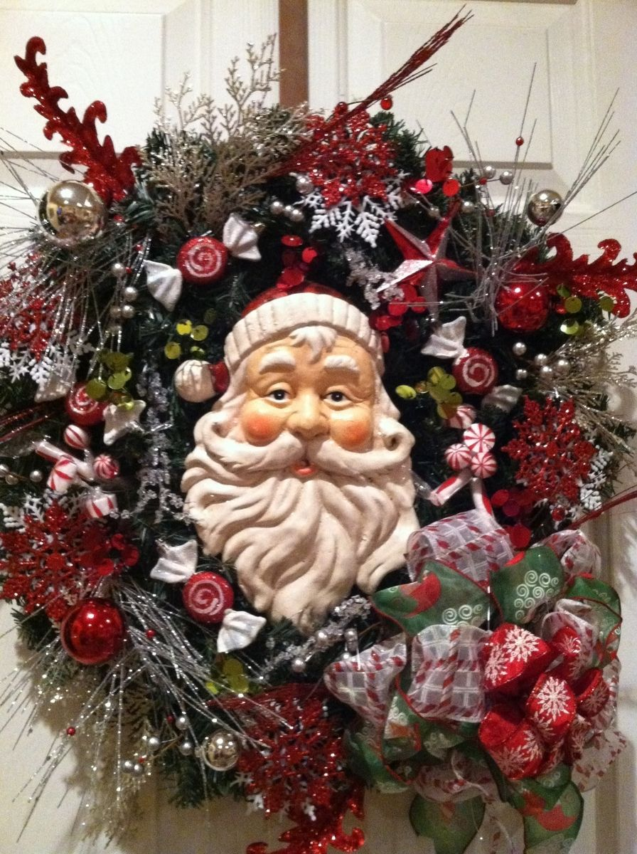 11 Custom Designer Christmas Wreaths Images