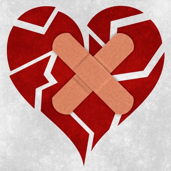 8 Broken Heart Vector PSD Images